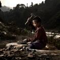 Enfant concassant des pierres - Dhading
