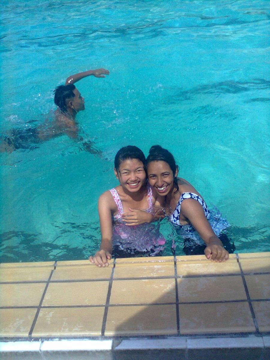 Canicule à Katmandou : Tous à la piscine !