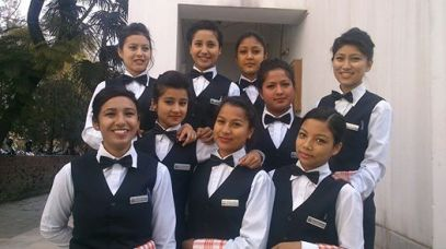 Sarita (en bas à gauche) 2014 at NATHM (on the left)