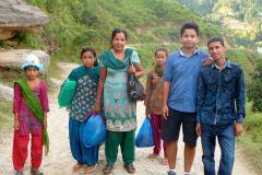 Asmita à gauche avec Tara , Shree et Nirdesh 2014