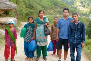 visiting-dhading-mai-2013-sam_0422