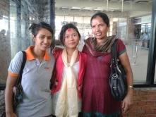 Pasang (au centre) avec Sarita Junior et Tara 2013