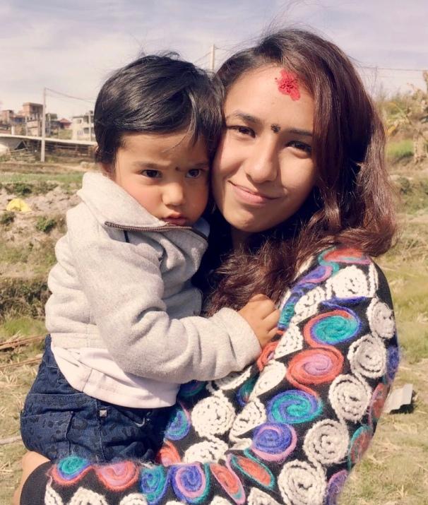 Sarita avec le fils de Satikshya (février 2017)