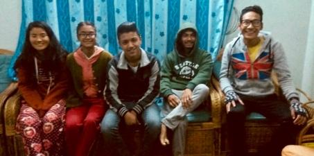 Au Foyer : Anu, Sneha, Sudeep, Saroj et Deepak, février 2018