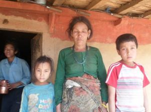 Charimaya et Anand avec leur mère, 2011